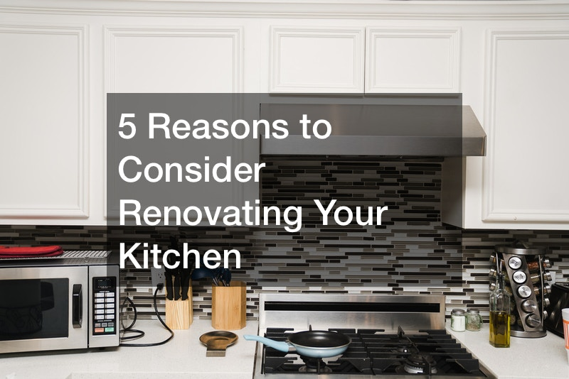 should I renovate my kitchen before selling